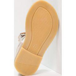 Pinocchio Sandały platinum. Żółte sandały chłopięce Pinocchio, z materiału. Za 249,00 zł.