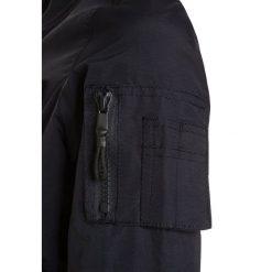Cars Jeans KIDS SMASH Kurtka Bomber navy. Niebieskie kurtki chłopięce przeciwdeszczowe Cars Jeans, z jeansu. Za 209,00 zł.