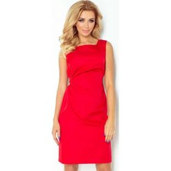Czerwona Lśniąca Koktajlowa Sukienka z Wiązaniem. Czerwone sukienki balowe marki Molly.pl, l, z jeansu, z dekoltem na plecach, z długim rękawem. Za 147,90 zł.