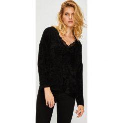 Vero Moda - Sweter. Różowe swetry klasyczne damskie Vero Moda, l, z dzianiny. W wyprzedaży za 99,90 zł.