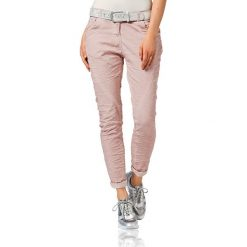 Odzież damska: Spodnie chino w kolorze jasnoróżowym