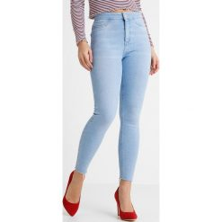 New Look Petite HOLIDAY BRIGHT RIP HEM DISCO Jeans Skinny Fit light blue. Niebieskie boyfriendy damskie New Look Petite, petite. Za 139,00 zł.