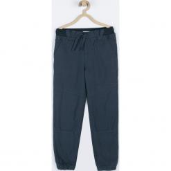 Spodnie. Niebieskie chinosy chłopięce WRAY, z bawełny. Za 89,90 zł.