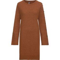 Sukienka dzianinowa z guzikami w optyce masy rogowej: must have bonprix kasztanowy brąz. Brązowe sukienki dzianinowe marki bonprix, rozkloszowane. Za 129,99 zł.