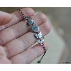Fazy księżyca - srebrna bransoletka. Szare bransoletki damskie na nogę Pakamera, srebrne. Za 129,00 zł.