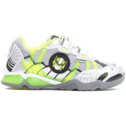 Zielone Buty Sportowe Transform Yourself. Zielone buciki niemowlęce Born2be, ze skóry, z okrągłym noskiem, na obcasie, na rzepy. Za 69,99 zł.