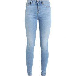 Denham NEEDLE  Jeans Skinny Fit lightblue denim. Niebieskie boyfriendy damskie Denham. W wyprzedaży za 377,40 zł.