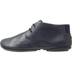 Camper NINA RIGHT Sznurowane obuwie sportowe navy. Niebieskie buty sportowe damskie Camper, z materiału. Za 489,00 zł.