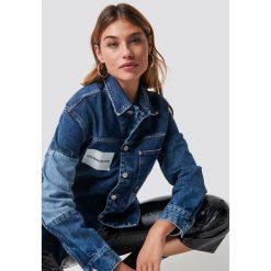 Calvin Klein Kurtka jeansowa One Pocket Trucker - Blue. Niebieskie bomberki damskie Calvin Klein, z jeansu. Za 688,95 zł.
