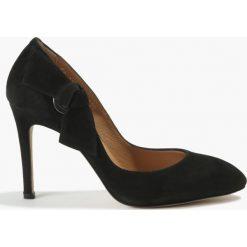 Czółenka czarne Jorgina. Czarne buty ślubne damskie Badura. Za 299,99 zł.