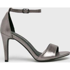Answear - Sandały. Szare sandały damskie marki ANSWEAR, z materiału, na obcasie. W wyprzedaży za 99,90 zł.