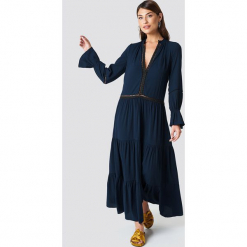 Trendyol Sukienka maxi z detalami - Navy. Szare długie sukienki marki Trendyol, na co dzień, z elastanu, casualowe, dopasowane. Za 161,95 zł.