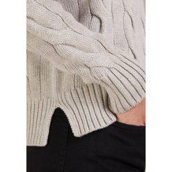 Polo Ralph Lauren OVERSIZED CABLE Sweter light vintage heather. Białe swetry klasyczne damskie Polo Ralph Lauren, m, z bawełny, polo. Za 589,00 zł.