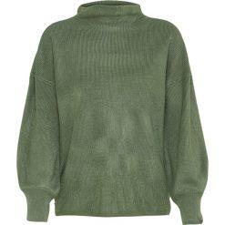 Sweter w kolorze ciemnozielonym. Zielone swetry klasyczne damskie marki About You, l, z materiału, ze stójką. W wyprzedaży za 43,95 zł.