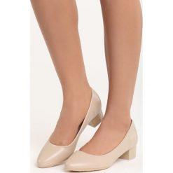 Beżowe Czółenka Secret Recipe. Brązowe buty ślubne damskie Born2be, na niskim obcasie, na słupku. Za 59,99 zł.