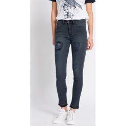 Medicine - Jeansy. Niebieskie jeansy damskie relaxed fit marki Reserved. W wyprzedaży za 59,90 zł.