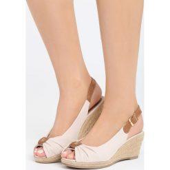 Beżowe Sandały Stolen Moment. Brązowe sandały damskie marki Born2be, z materiału, na koturnie. Za 69,99 zł.