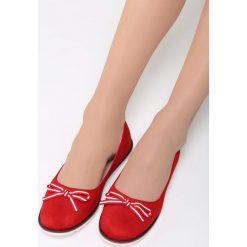 Czerwone Balerinki My Option. Czerwone baleriny damskie lakierowane Born2be, z materiału, na obcasie. Za 54,99 zł.