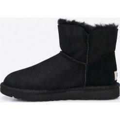 UGG - Buty Mini Bailey. Szare buty zimowe damskie marki Ugg, z materiału, z okrągłym noskiem. W wyprzedaży za 629,90 zł.