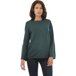 Sweter w kolorze zielonym. Zielone swetry klasyczne damskie marki L'étoile du cachemire, z kaszmiru. W wyprzedaży za 129,95 zł.