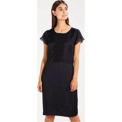Rosemunde Sukienka koktajlowa black. Czarne sukienki koktajlowe Rosemunde, z materiału. W wyprzedaży za 425,40 zł.