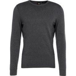 Swetry klasyczne męskie: BOSS CASUAL KWASIROS Sweter medium grey