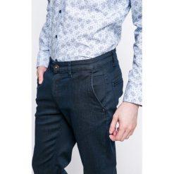 Medicine - Jeansy Lord and Master. Niebieskie jeansy męskie z dziurami marki MEDICINE. W wyprzedaży za 99,90 zł.