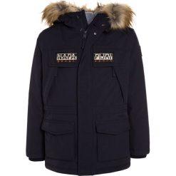 Napapijri SKIDOO OPEN LONG Kurtka zimowa blu marine. Niebieskie kurtki chłopięce zimowe marki Napapijri, z bawełny. W wyprzedaży za 975,20 zł.