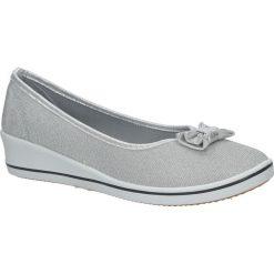 Srebrne półbuty na koturnie z kokardą CasuDD315A-2. Szare buty ślubne damskie Casu, na koturnie. Za 29,99 zł.