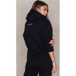 Bluzy polarowe: Vanessa Moe x NA-KD Bluza z kapturem - Black