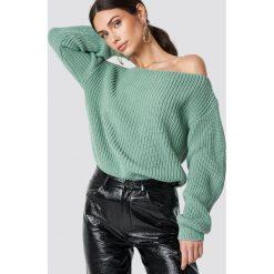 Glamorous Sweter z odkrytymi ramionami - Turquoise. Różowe swetry klasyczne damskie marki Glamorous, z nadrukiem, z asymetrycznym kołnierzem, asymetryczne. Za 141,95 zł.