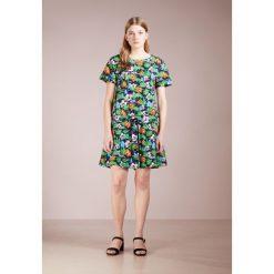 Love Moschino Sukienka letnia bunt. Szare sukienki letnie marki Love Moschino, z bawełny. W wyprzedaży za 459,60 zł.