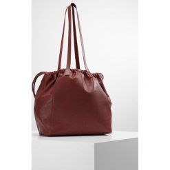 KIOMI Torba na zakupy maroon. Czerwone shopper bag damskie marki KIOMI. W wyprzedaży za 356,15 zł.