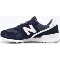 New Balance - Buty WR996CGN. Czerwone buty sportowe damskie marki New Balance, z gumy. W wyprzedaży za 239,90 zł.
