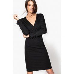 Długie sukienki: Obcisła, kopertowa sukienka z wiskozy