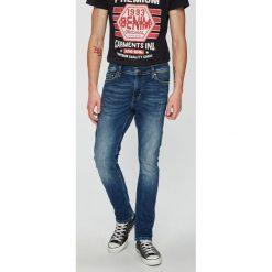 Mustang - Jeansy Vegas. Niebieskie jeansy męskie slim Mustang, z bawełny. W wyprzedaży za 269,90 zł.