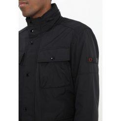 Strellson STRONG Kurtka przejściowa black. Czarne kurtki męskie przejściowe Strellson, m, z materiału. W wyprzedaży za 799,20 zł.