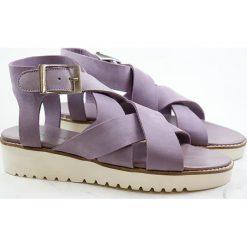 """Rzymianki damskie: Skórzane sandały """"Celia"""" w kolorze fioletowym"""