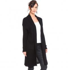 """Kardigan """"Liliane"""" w kolorze czarnym. Czarne kardigany damskie marki Cosy Winter, s, prążkowane. W wyprzedaży za 159,95 zł."""