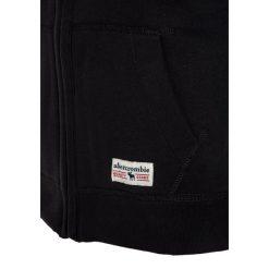 Abercrombie & Fitch Kurtka przejściowa black. Czarne kurtki chłopięce przejściowe Abercrombie & Fitch, z bawełny. W wyprzedaży za 231,20 zł.