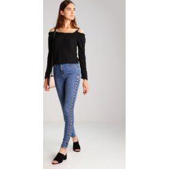 Topshop Tall JAMIE Jeans Skinny Fit middenim. Niebieskie rurki damskie Topshop Tall. W wyprzedaży za 144,50 zł.