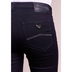 Emporio Armani Jeans Skinny Fit dark blue. Niebieskie jeansy damskie marki Emporio Armani, z bawełny. W wyprzedaży za 345,95 zł.