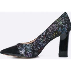 Caprice - Czółenka. Szare buty ślubne damskie marki Caprice, z materiału, na obcasie. W wyprzedaży za 159,90 zł.