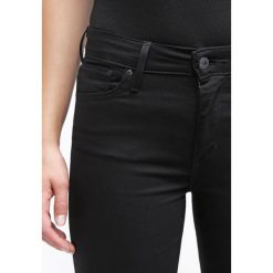 Levi's® Jeans Skinny Fit black sheep. Brązowe rurki damskie marki Levi's®, z obniżonym stanem. Za 419,00 zł.