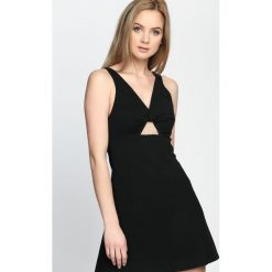 Czarna Sukienka One I Love. Czarne sukienki letnie marki Born2be, s. Za 59,99 zł.