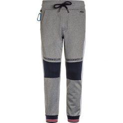 Retour Jeans ABEL Spodnie treningowe light grey melange. Szare jeansy chłopięce marki bonprix. Za 209,00 zł.