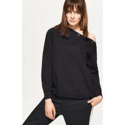 Bluzy damskie: Bluza na jedno ramię – Czarny