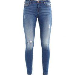 Noisy May NMEVE  Jeans Skinny Fit medium blue denim. Niebieskie jeansy damskie marki Noisy May, z bawełny. W wyprzedaży za 143,20 zł.