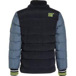 Cars Jeans KERRICK Kurtka zimowa navy. Niebieskie kurtki chłopięce zimowe marki Cars Jeans, z jeansu. W wyprzedaży za 255,20 zł.
