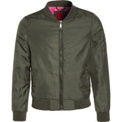 S.Oliver RED LABEL Kurtka zimowa dark green. Brązowe kurtki dziewczęce zimowe marki Reserved, l, z kapturem. W wyprzedaży za 167,20 zł.